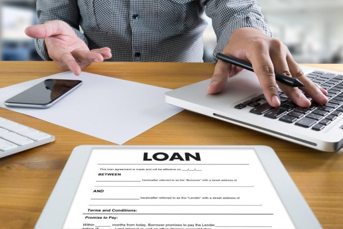 A personal loan beats out a balance transfer card in this situation
